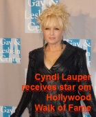 2016-04-12 Cyndi Lauper receives star on Hollywood Walk of Fame - Klik hier